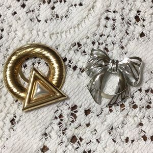 3/$6! 📫Clasp Pins